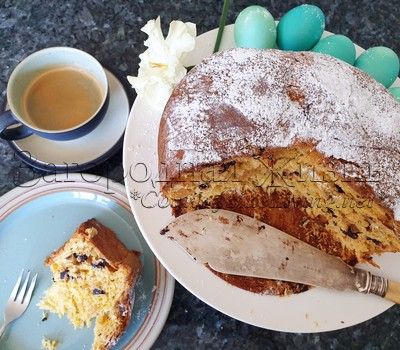 Kulich Russian Easter Bread dupe is Panettone Italian Christmas cake